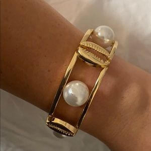 Bangle with pearls & shells